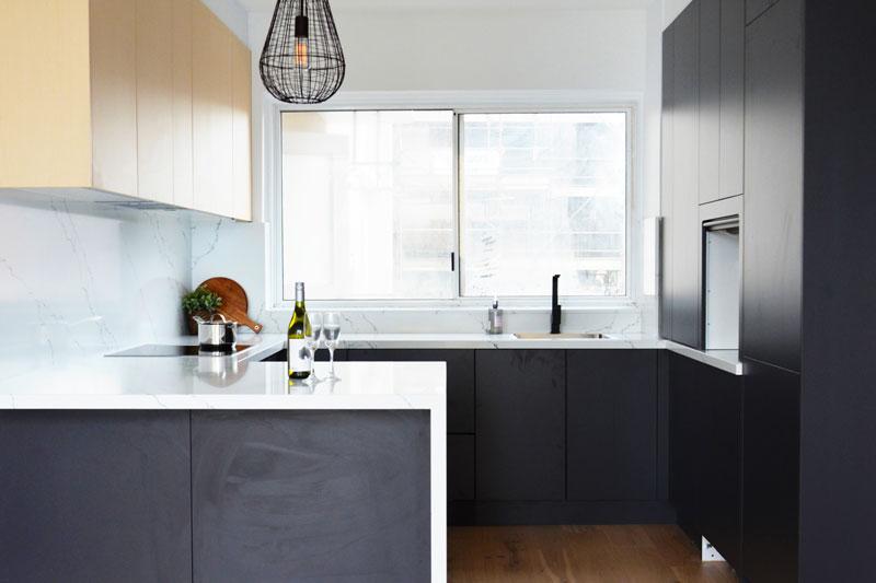 black kitchen renovation sydney